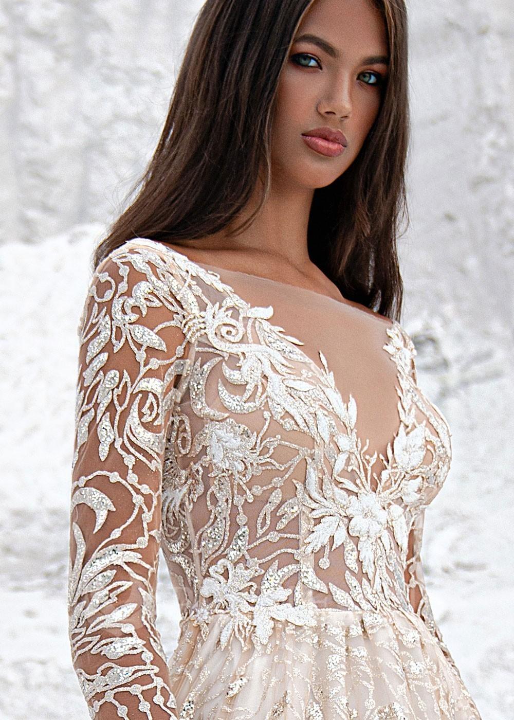 0387b5618fce Extravagantné celokrajkové svadobné šaty Agora - lamode.sk