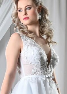 Jednoduché čipkované svadobné šaty Megan