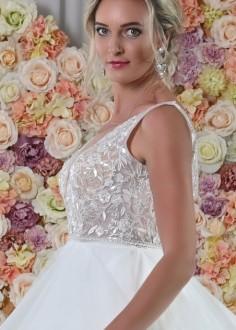 Čipkované svadobné šaty s dlhým rukávom Dorothy