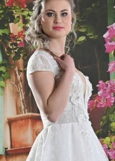Jednoduché čipkované svadobné šaty Penelope